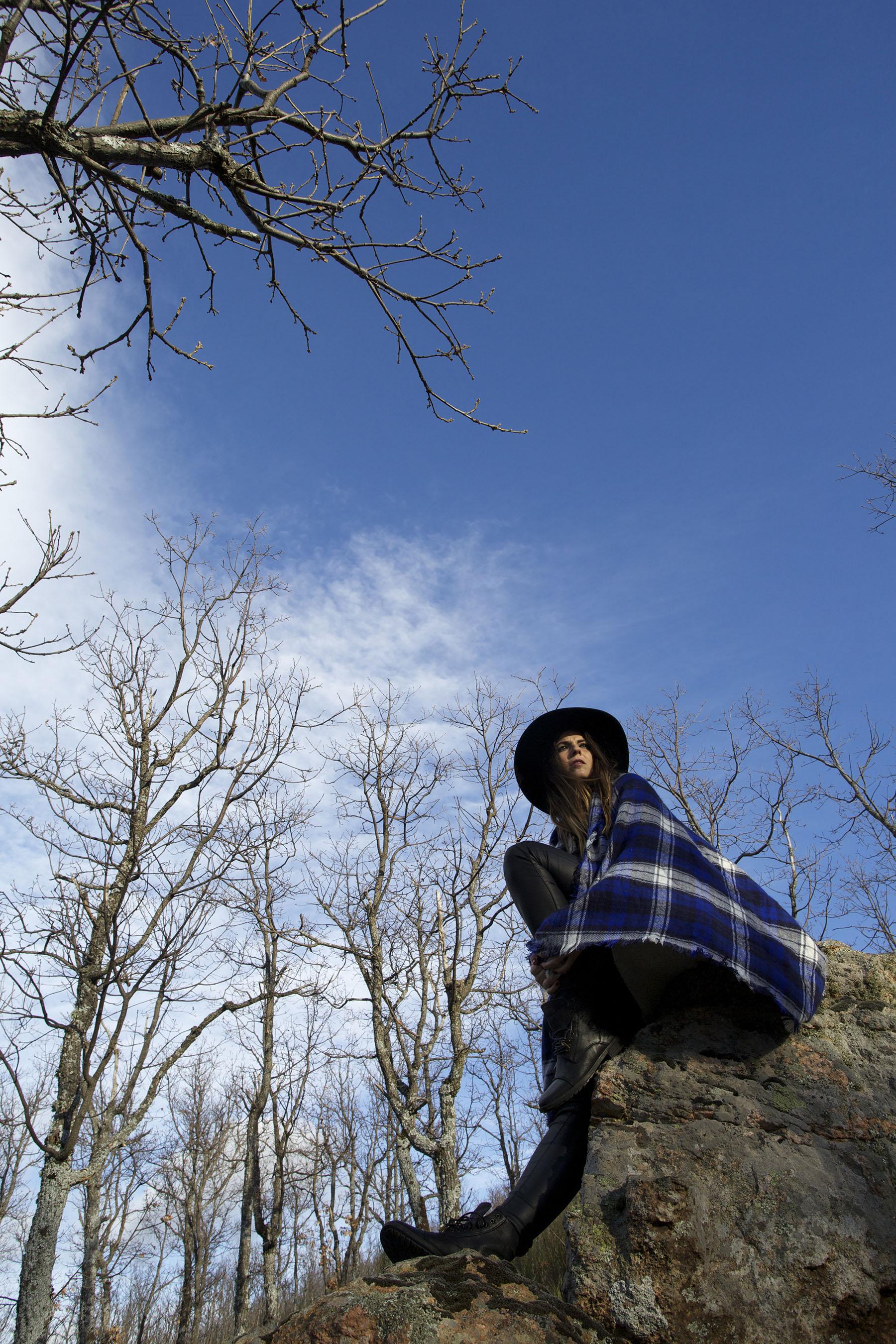 trendy-taste-look-mountain-sierra-maxi-bufanda-scarf-sombrero-botas-moteras-cuadros-1
