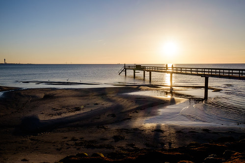 bridge sea people beach photography se pier skåne sweden uncropped f11 öresund öresundsbron 2016 lomma fav10 skånelän xe2 xf1855mmf284rlmois ¹⁄₃₅₀sek 4115032016173746