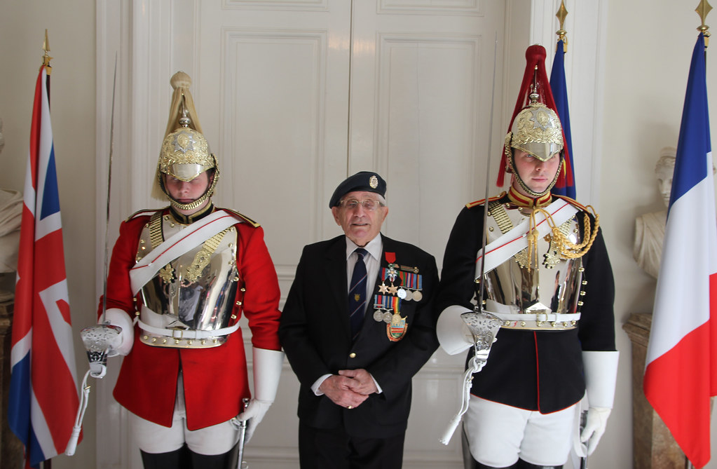Veterans decorated on 1 April