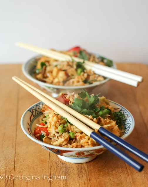 Georgina Ingham | Culinary Travels Photograph Every Grain Of Rice Yangzhou Fried Rice in Chinese Bowls with Chopsticks