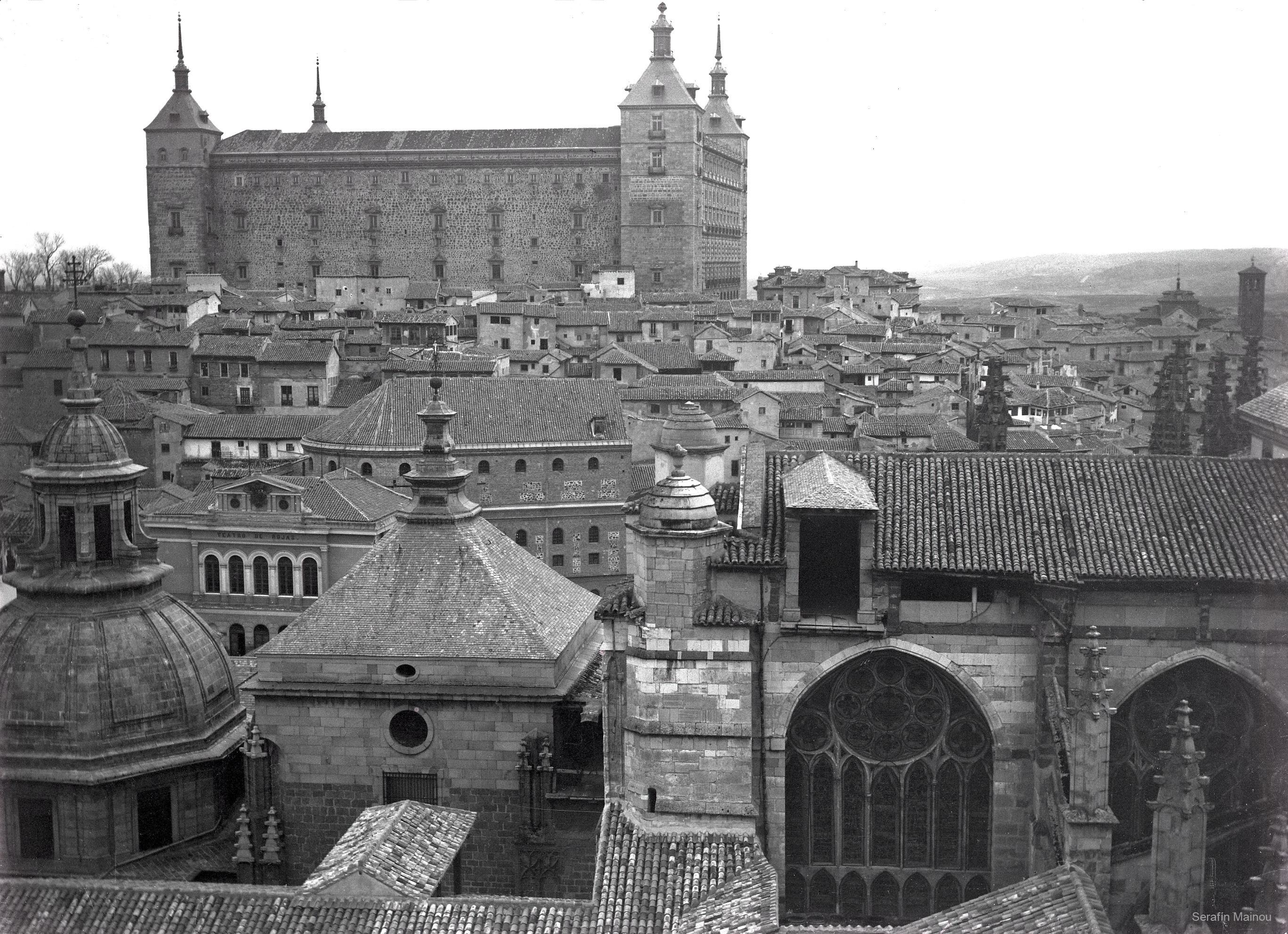 Alcázar visto desde la Catedral hacia 1903. Fotografía de Serafín Mainou © Colección de Juan Modolell