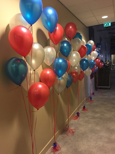 Gronddecoratie 7ballonnen Valveco Barendrecht