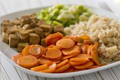06/52 Food - Carrot, tofu, leek and quinoa