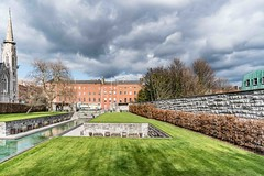 THE GARDEN OF REMEMBRANCE [PARNELL SQUARE - DUBLIN]-113632