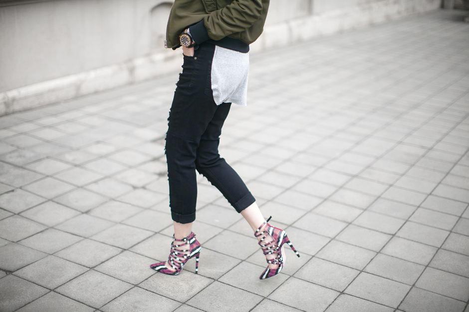 distressed-jeans-outfit-street-style