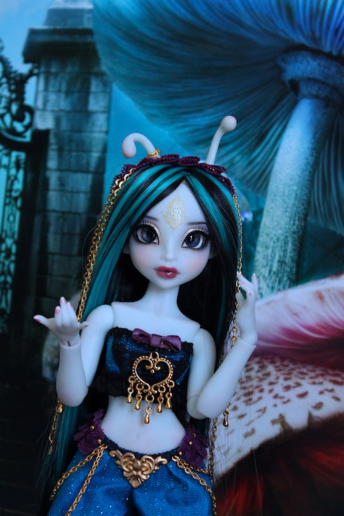 My blue Caterpillar (Aria Mystic Dolls)  25884686286_51b3194050_b