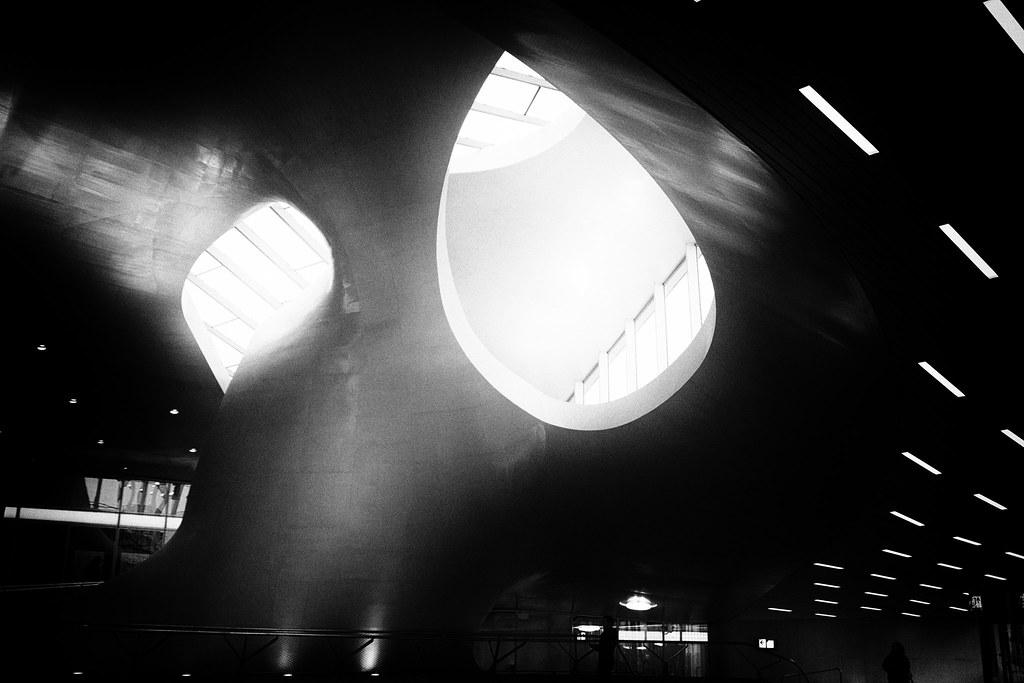 Eyes? | Arnhem Centraal
