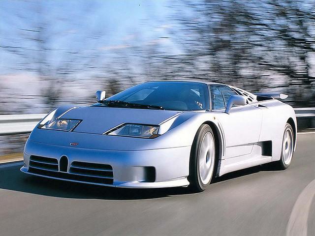 Серый Bugatti EB110 SS. 1993 – 1995 годы