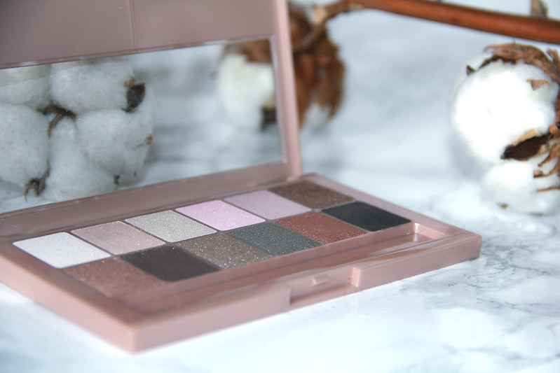 Review The Blushed Nudes by Maybelline I www.StyleByCharlotte.com