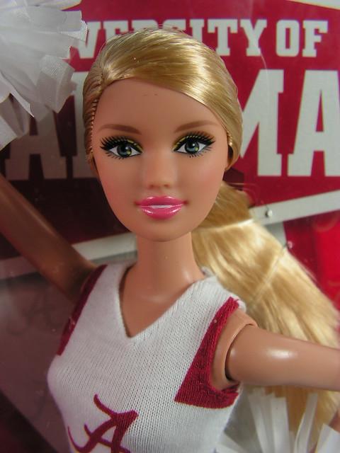 2011 Barbie University Of Alabama Teen Skipper W3521 Indonesia (2)