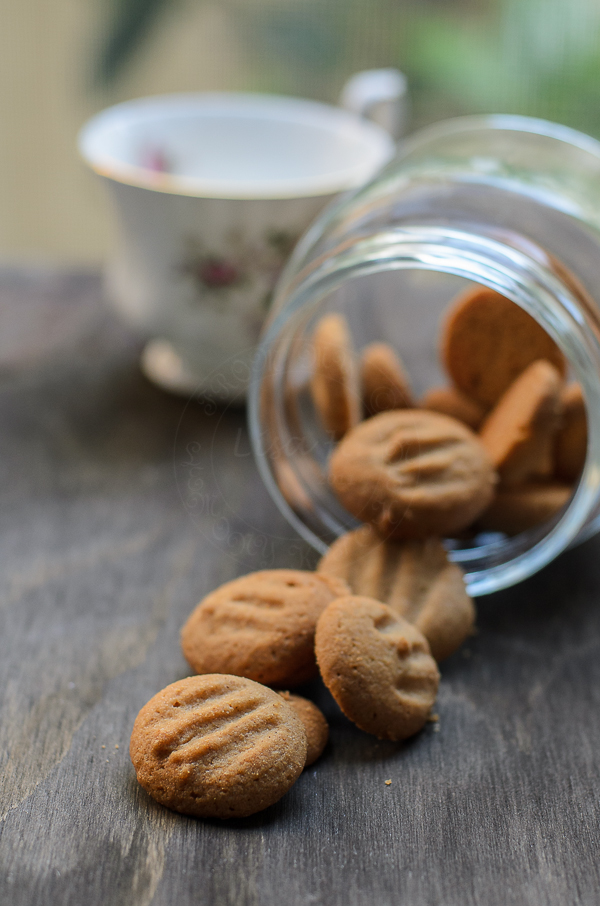 Spiced pnut cookies-5