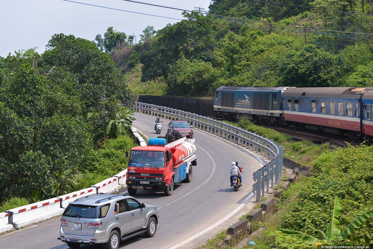 vietnam_reunification_express_train-46