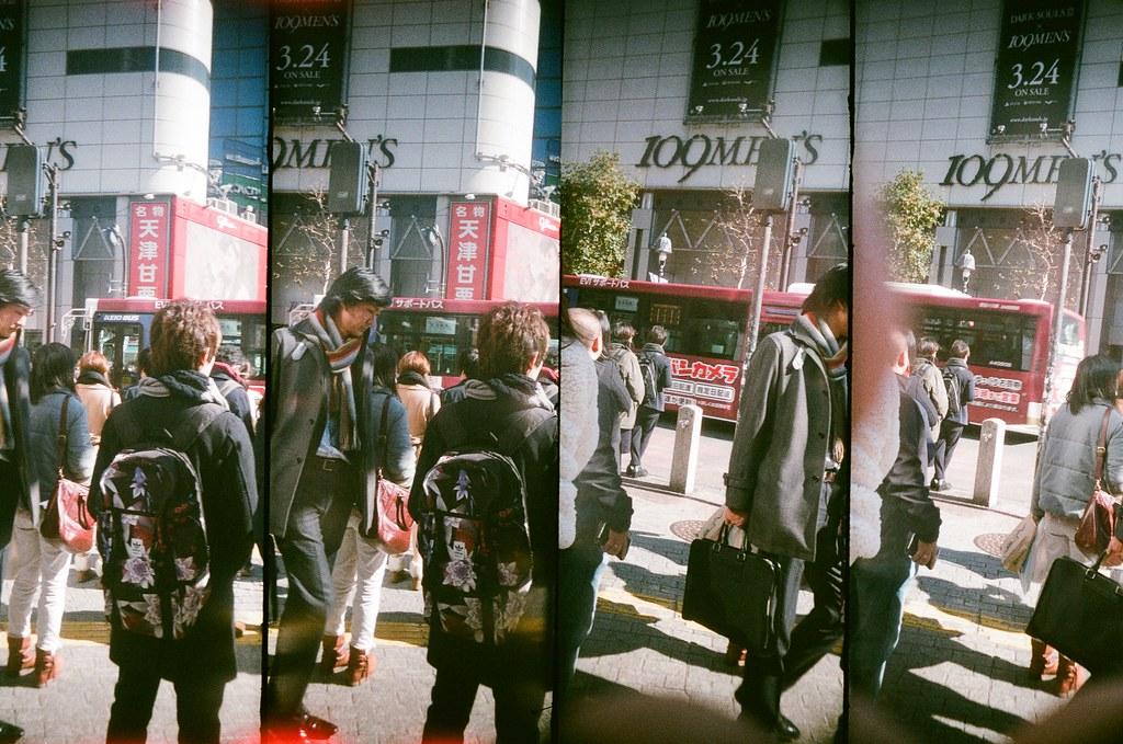渋谷 Shibuya, Japan / AGFA VISTAPlus / SuperSampler Dalek 渋谷的大馬路,在這裡也停留了一下,也拍了很多過馬路的照片。  這次很專心的注意每個角度,希望可以認真的紀錄渋谷的地標。  SuperSampler Dalek AGFA VISTAPlus ISO400 8278-0005 2016/02/07 Photo by Toomore