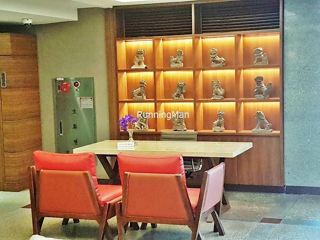 Oriens Hotel & Residences 09 - Concierge Desk