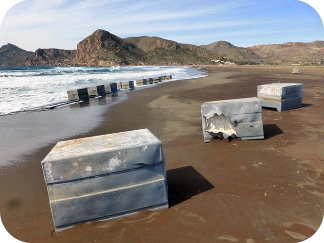 Residuos de la acuicultura contaminan Calblanque y Portmán