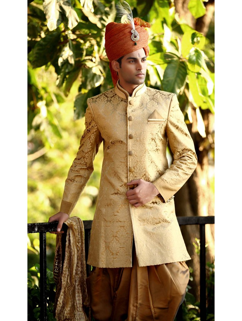Find Orante Indian Wear At Boutiques Or The Manyavar Shop For Grooms In Malls Of Delhi You Will Have To Purchase Them As Goods Once Sold Are Not Taken