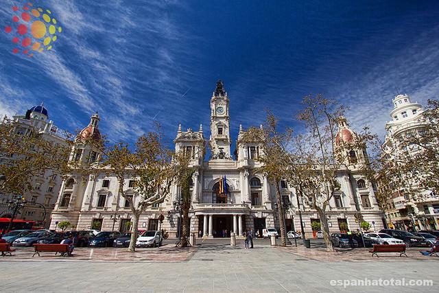 atrações imperdíveis de Valência: o Ayuntamiento