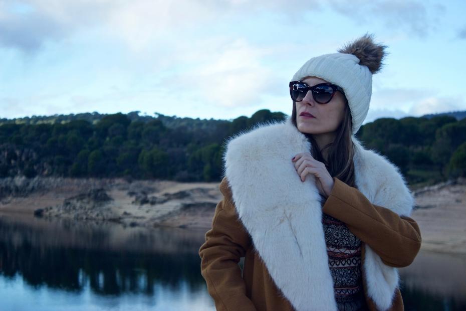 lara-vazquez-madlula-style-streetstyle-moda-fashionblog-winter-tale-faux-fur