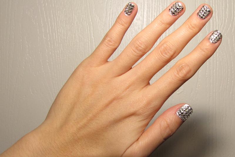 Katy-Perry-Disco-Ball-Nails