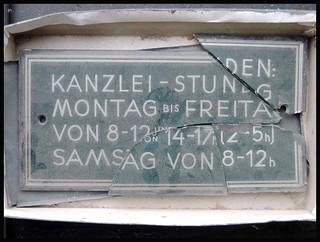KANZLEI-STUNDEN . CHANCELLERY-HOURS