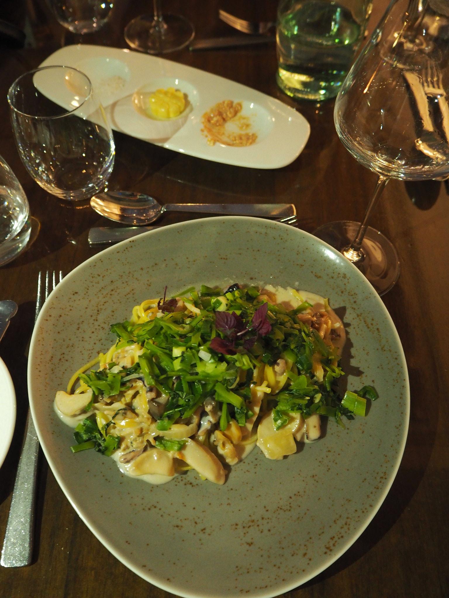 Linguine mit Gorgonzola-Meeresfrüchte-Ragout