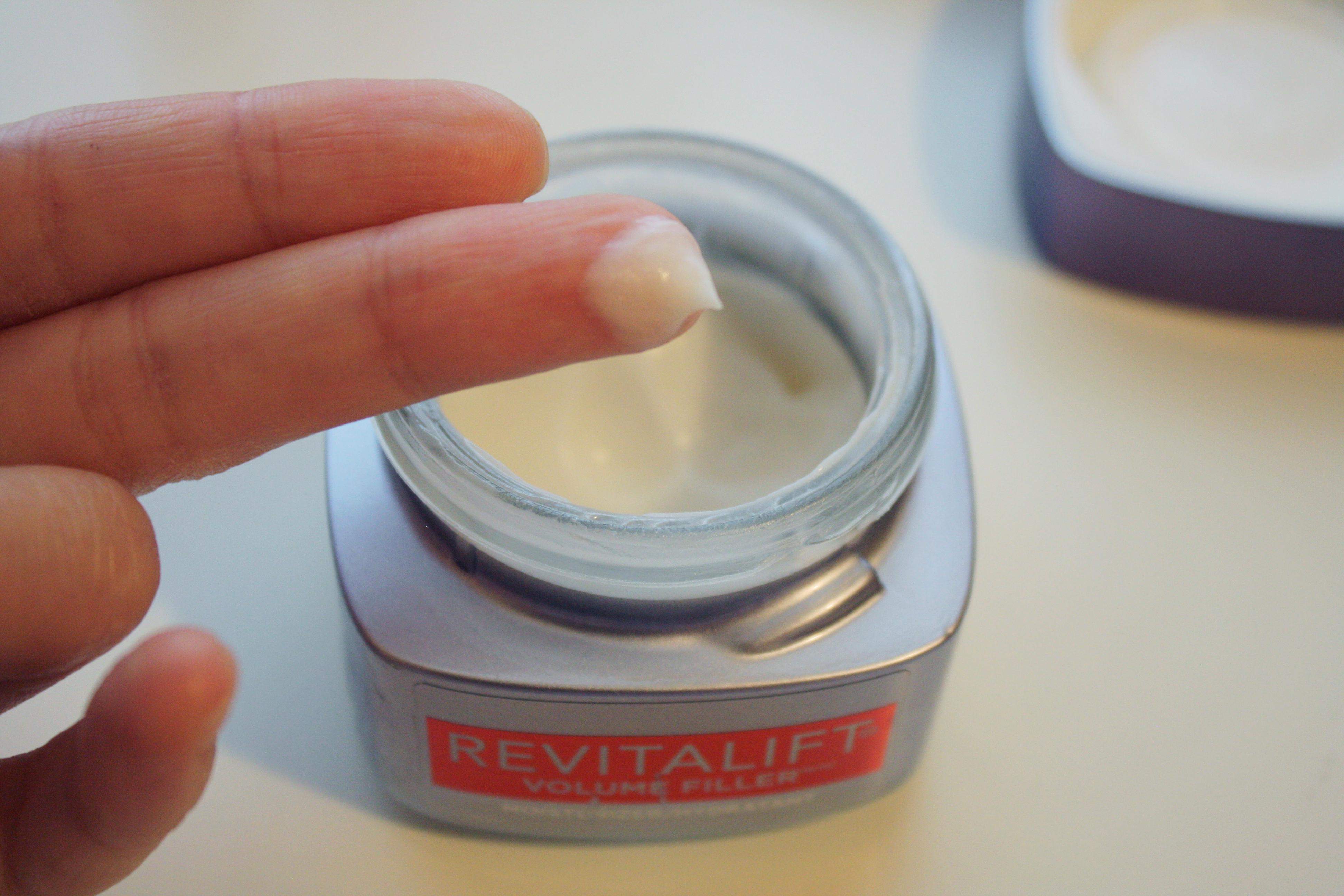 l'oreal revitalift volume filler line skincare hyaluronic acid review daily volumizing moisturizer anti-aging mature skin