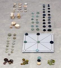 44Instrumentos de juego romanos 1-300 d.C