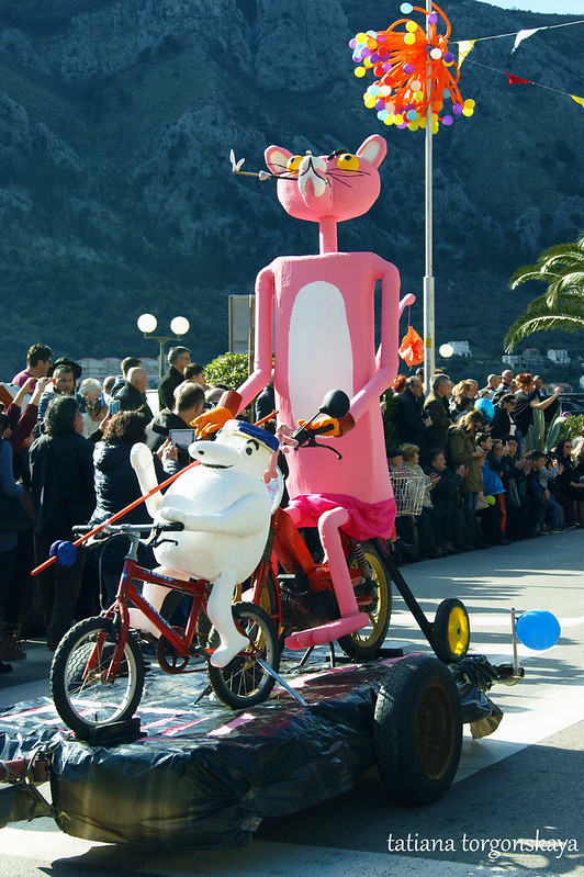 Повозка с розовой пантерой