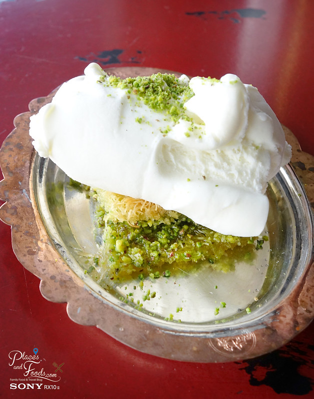 hakiki turkish ice cream with baklava