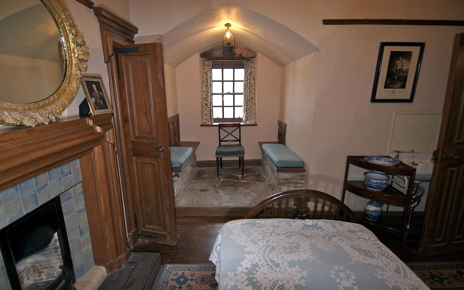 Eilean Donan Castle Bedroom. Credit Bruce MacRae