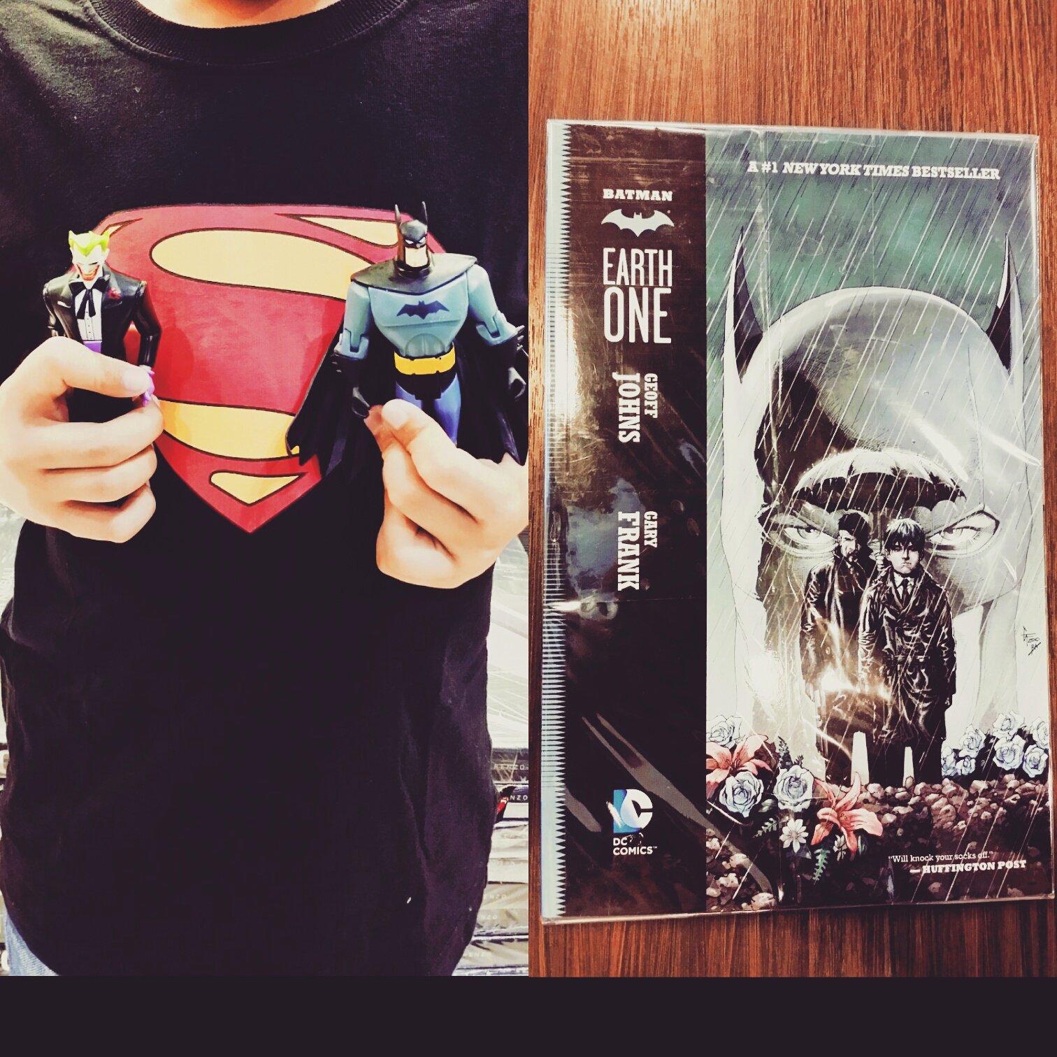 #todayshaul at the #fleamarket #batmantheanimatedseries #batman #joker #geoffjohns #earthonebatman #tpb #geekshavethemostfun
