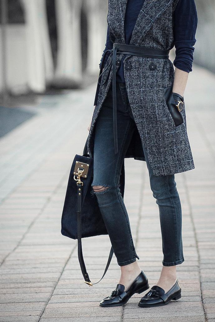 Ada wrap belt, Madewell vest, Rag & Bone ultra capri jeans, Via Spiga Amica loafers, Sophie Hulme tote