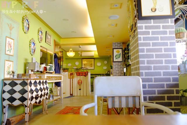 Mirror cafe (10)