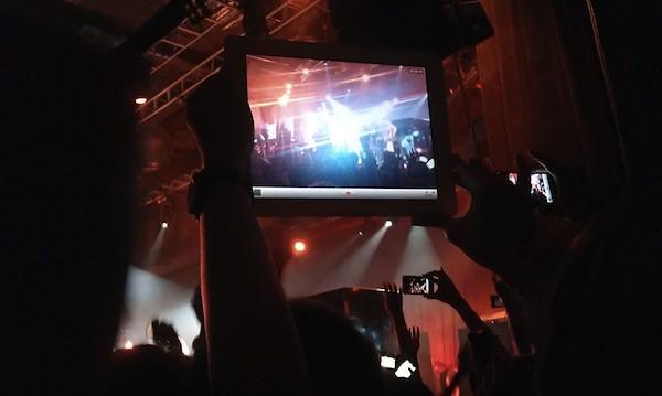 tablet-concert