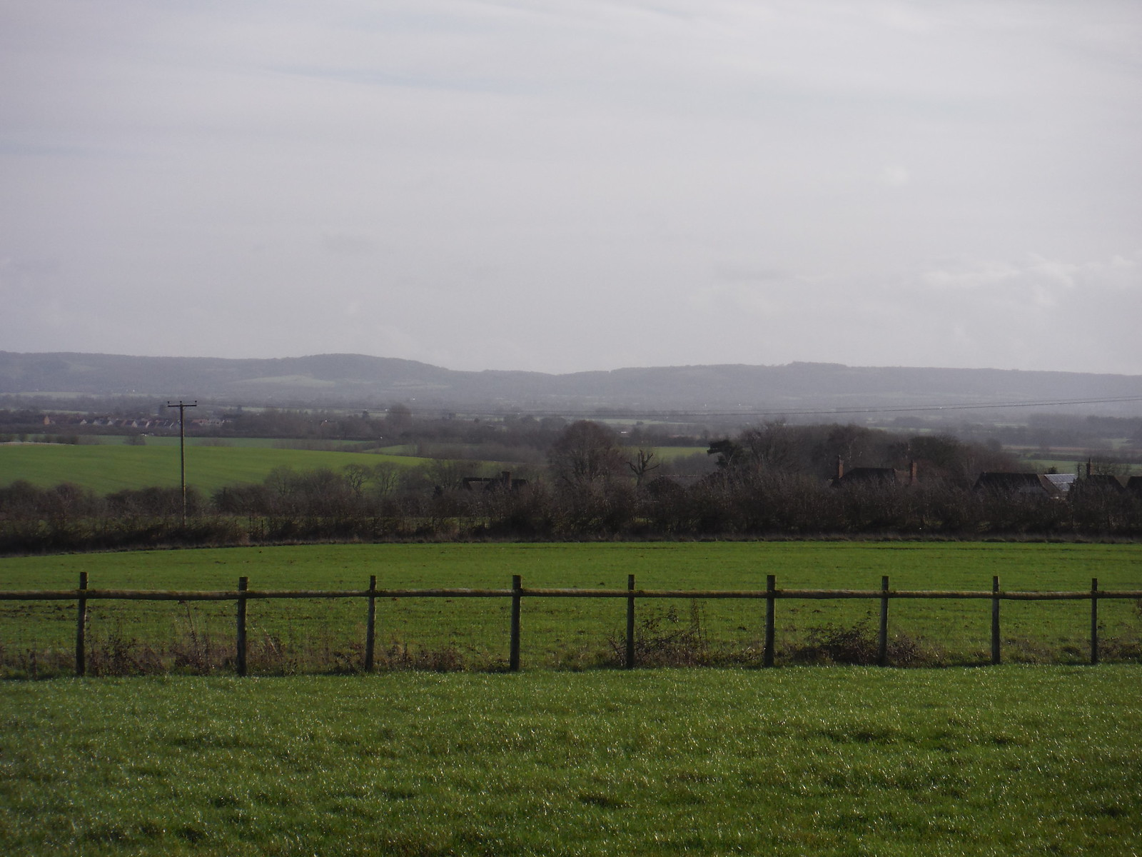 Chiltern Views from farm NE of Long Crendon SWC Walk 191 Haddenham Circular (via Brill)