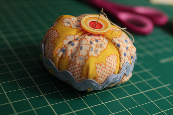mccalls-6095-pincushion2