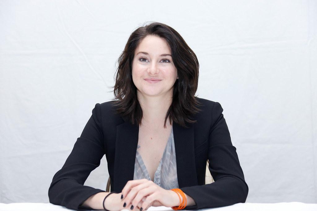 Шейлин Вудли — Пресс-конференция «Дивергент, глава 3: За стеной» 2016 – 30