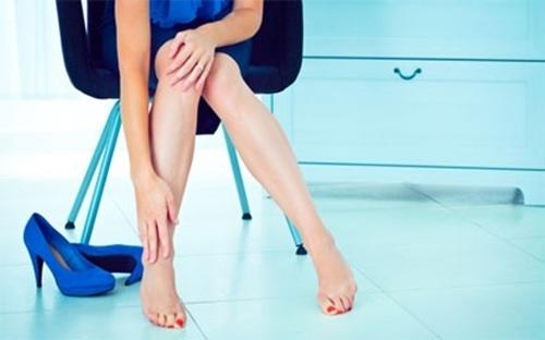 Có thực sự an toàn để mang giày cao gót khi mang thai?