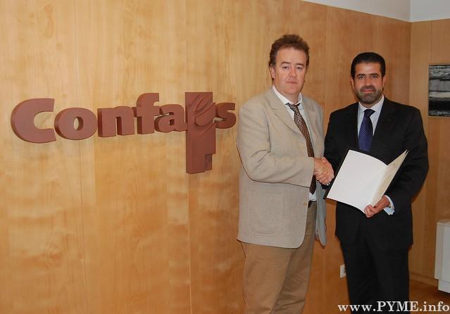 Concesión al presidente de CONFAES, Juan Manuel Gómez, del reconocimiento como socio de honor de la Cámara de Comercio Hispano-Iraní