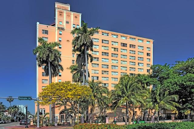 The Blackstone, 800 Washington Avenue, Miami Beach, Florida, U.S.A. / Architects: D. Kingstone Hall, Santos/Raimundez Architects / Completed: 1929 / Architectural Style: Art Deco
