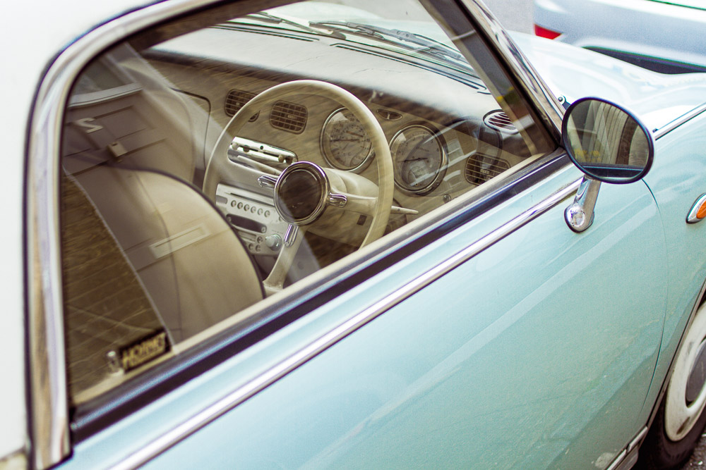 peek inside a fiat 500 car cream seats