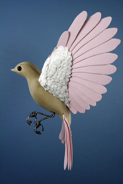 Realistic Bird Sculptures from Paper & Wood