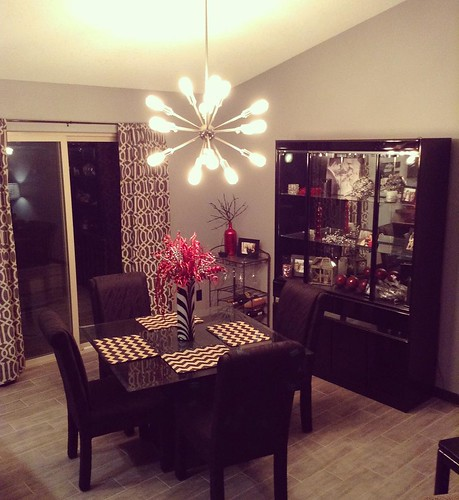 What is your dining room style? Make it YOU. #instagood #modernfamily #diningroom #myiowahome #sharingmyhome #realtorcommunity #lepickroegerrealtors