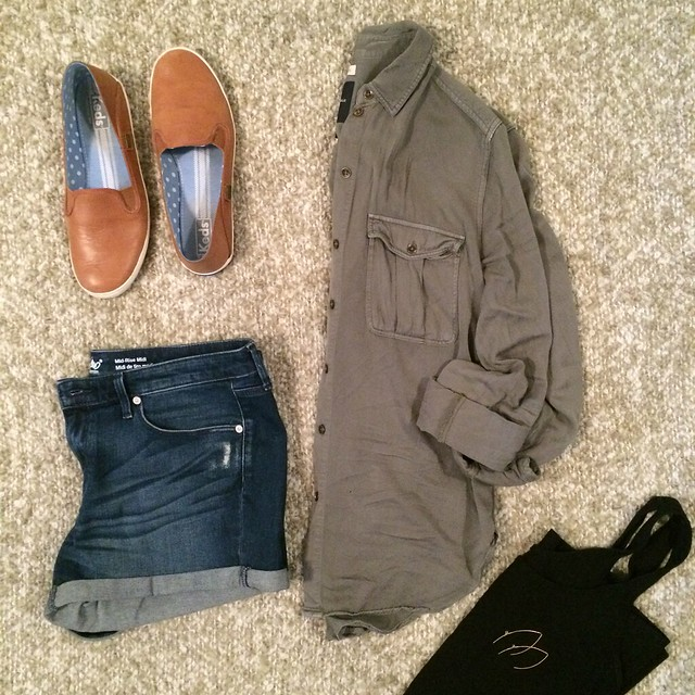olive button down + denim cutoffs + camel leather sneakers