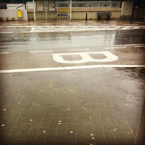 Gietende regen... Ik ging ook nog eens joggen. #fml #stommebuienradar