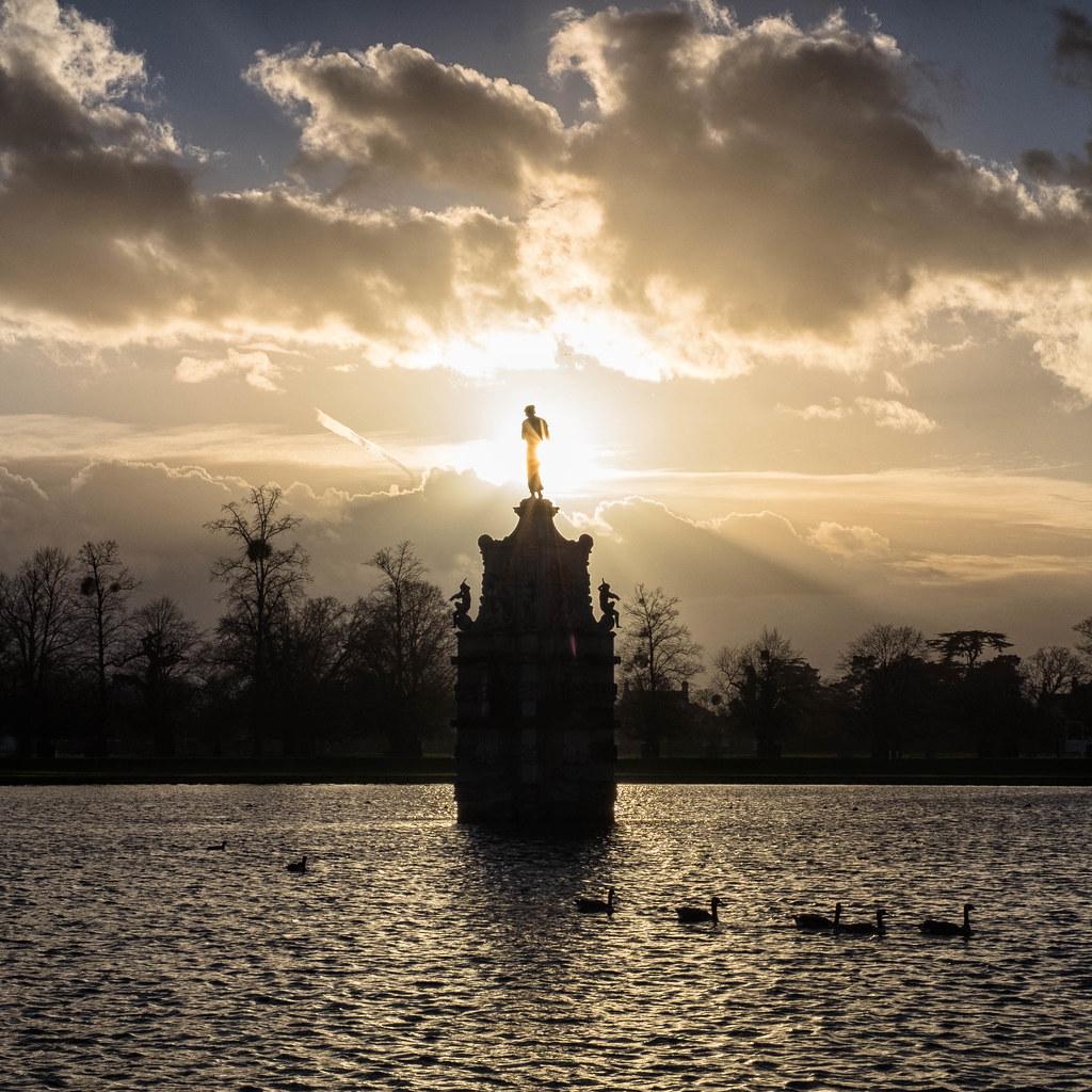 Diana Fountain, Bushy Park