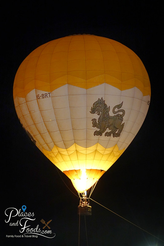 singha park international hot air balloon festival night singha hot air balloon flying