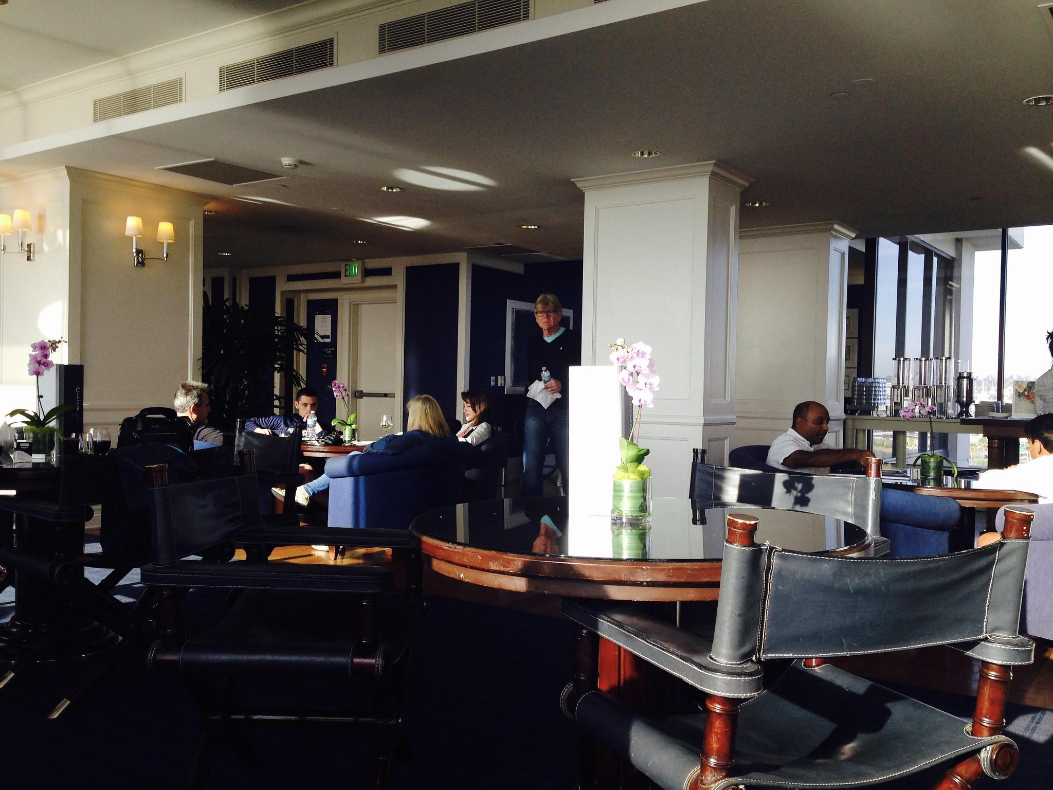 Sheraton San Diego & Marina Club Lounge