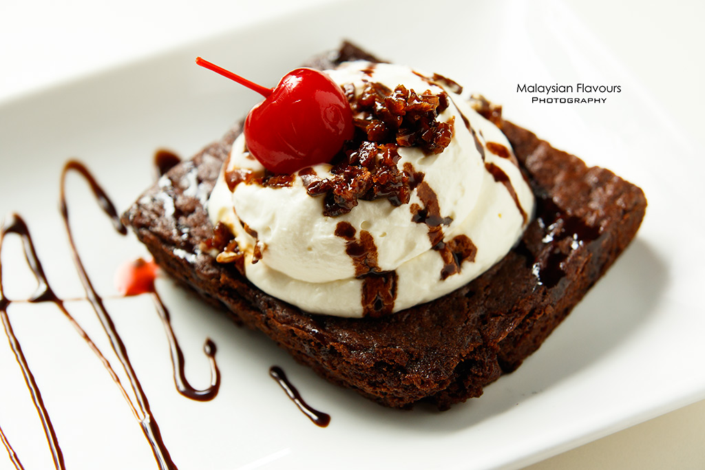 D Legends Bar TTDI KL chocolate brownie