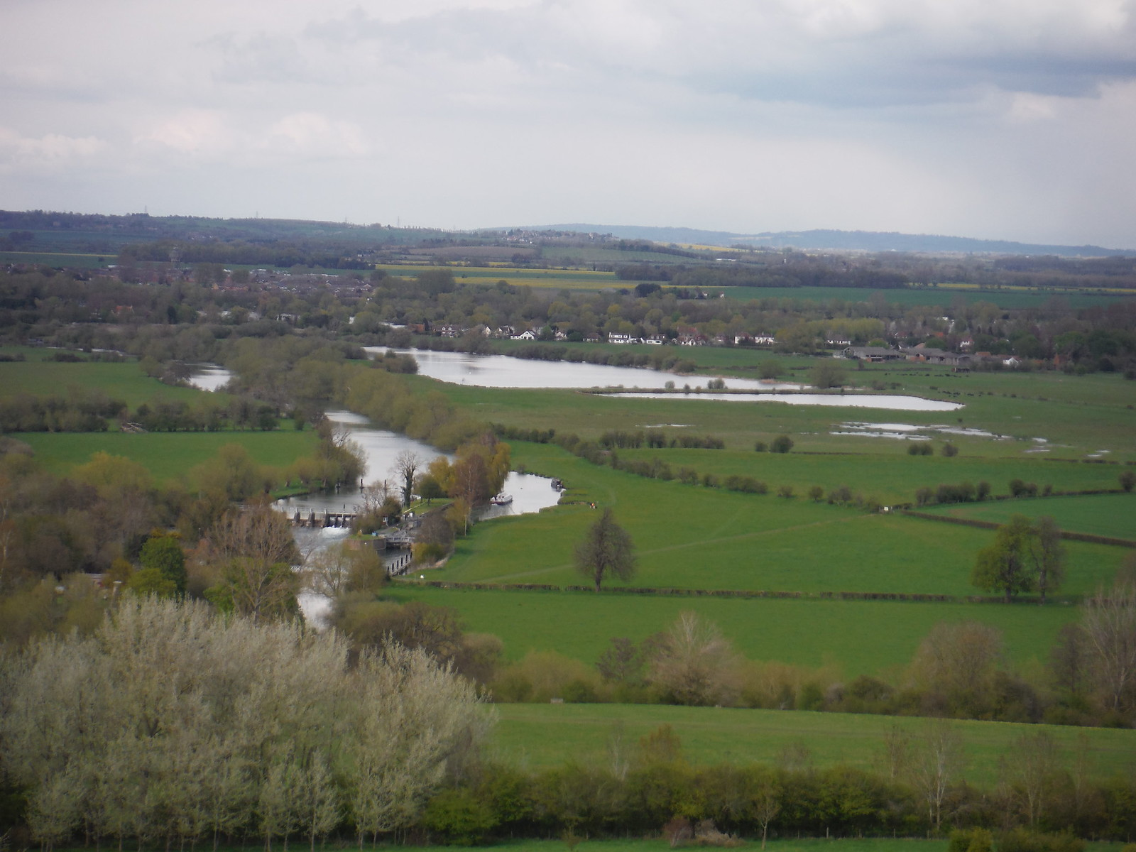 River Isis and Artificial Ponds near Dorchester, from Round Hill SWC Walk 44 - Didcot Circular